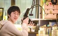 15岁初中生迷上为虫豸拍写真